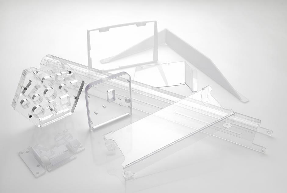 Calderería plástica a medida, soldaduras, montaje de conjuntos, subconjuntos de piezas y pulido de piezas plásticas